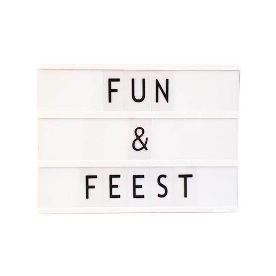 Deco lichtbak met letters A4 (bron: Carnavalskostuumwinkel)