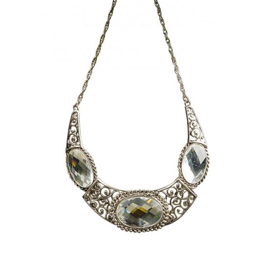 Middeleeuwse koninginnen ketting met diamanten. mooie koninginnen halsketting met 3 witte geslepen stenen....