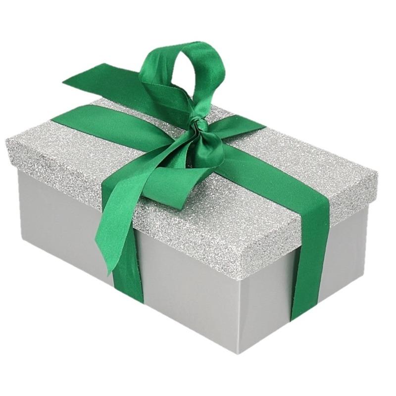 Cadeau gift box zilver glitter 15 x 9 cm en donkergroen kadolint