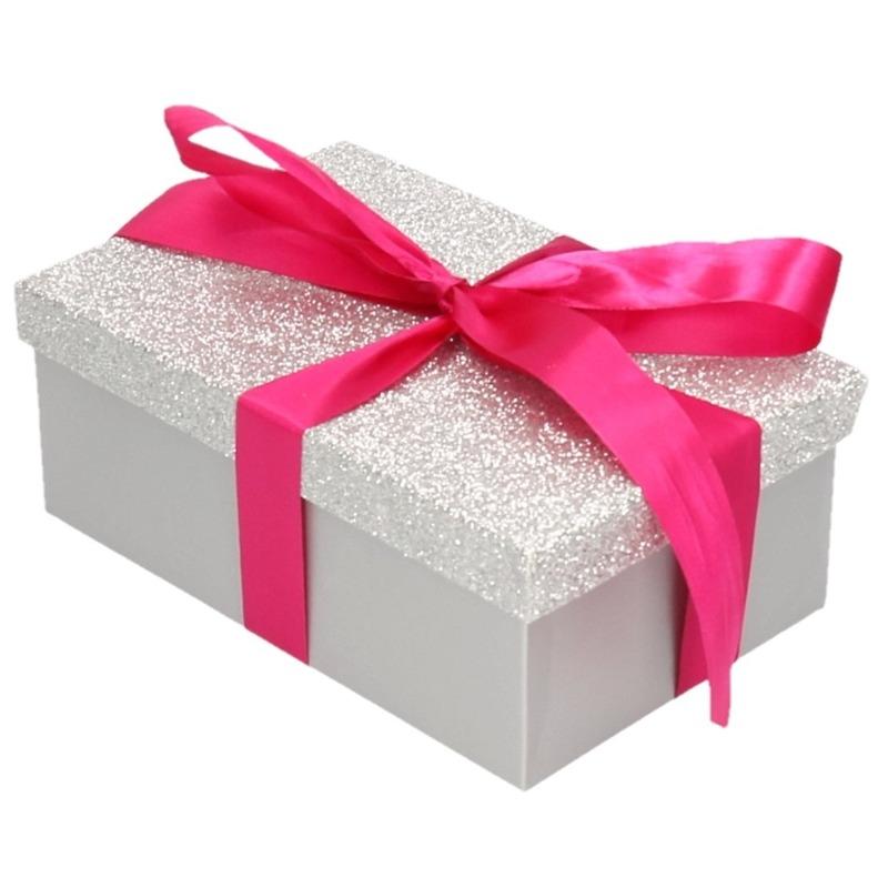 Cadeau gift box zilver glitter 17 x 11 cm en roze kadolint