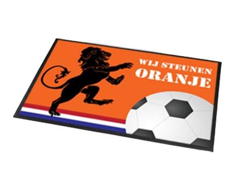 Deurmat/buitenmat oranje voetbal EK/WK 40 x 60 cm