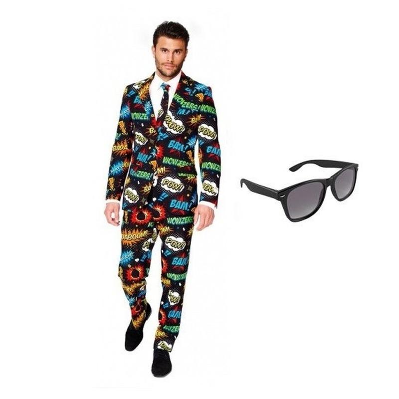 Heren kostuum met comic print maat 52 (XL) met gratis zonnebr