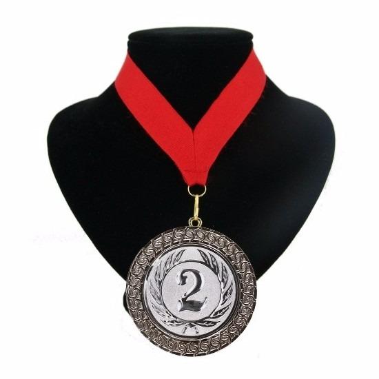Rood lint met zilveren medaille