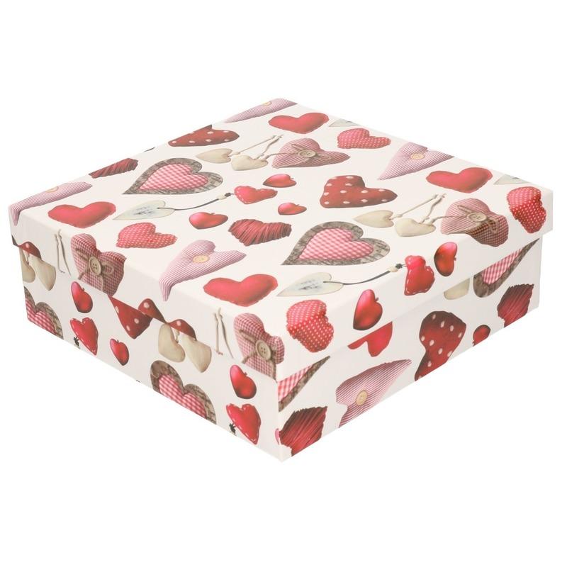 Rood/wit cadeaudoosje met hartjes 16 cm vierkant